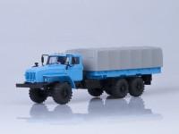 1:43 Уральский грузовик 4320-0911 бортовой с тентом (длиннобазный, база 4555 мм)