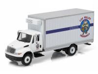 "1:64 INTERNATIONAL Durastar Box Van ""Los Pollos Hermanos"" 2013 (из телесериала ""Во все тяжкие"")"