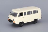 1:43 # 15 УАЗ-452В — песочный