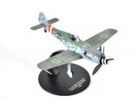 1:72 Focke-Wulf Fw-190D-9 Gerhard Barkhorn (301 победа) 1945