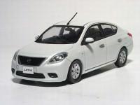 1:43 Nissan Tiida / Latio (white pearl)