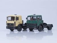 1:43 Набор МАЗ-5432 (поздняя кабина, бежевый) + МАЗ-5432 (ранняя кабина, зелёный)